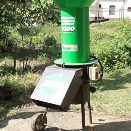 Composte los desechos de su finca con el triturador de residuos orgánicos Trapp TR200