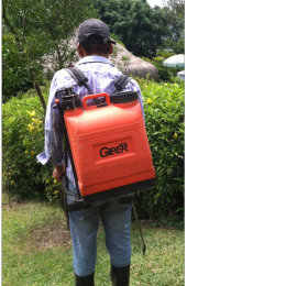 Aplicación segura de plaguicidas con bomba de espalda